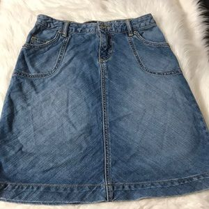 Banana Republic Women's Jean skirt size 2